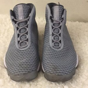 Jordan Horizon Mid Air Sneakers